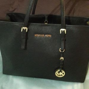 Micheal kors authentic 75.00